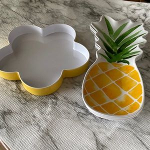 Other - Pineapple Shaped Plates and Chip / Serving Dish